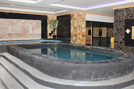 Airy MT Haryono 55 Balikpapan - Swimming Pool