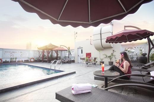 Park Regis Arion Kemang Jakarta - Pool