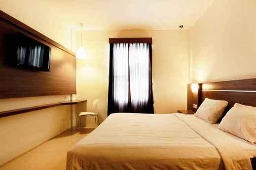 Hotel Alzara Syariah Wonosari - Deluxe Double