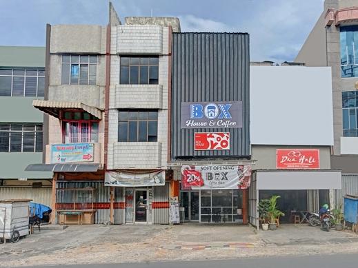 OYO 90399 Box House Bandar Lampung - Facade