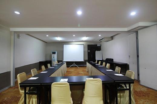 Airy Syariah Menteng Cut Meutia 9 Jakarta Jakarta - Meeting room