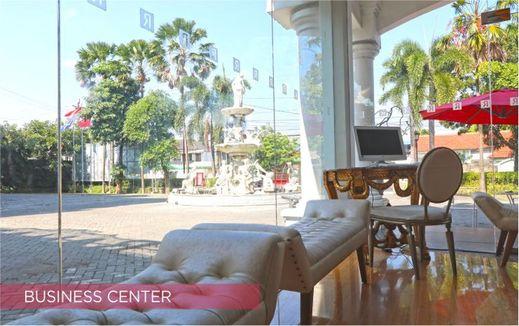 Ramada Suites By Wyndham Solo Karanganyar - Business Center