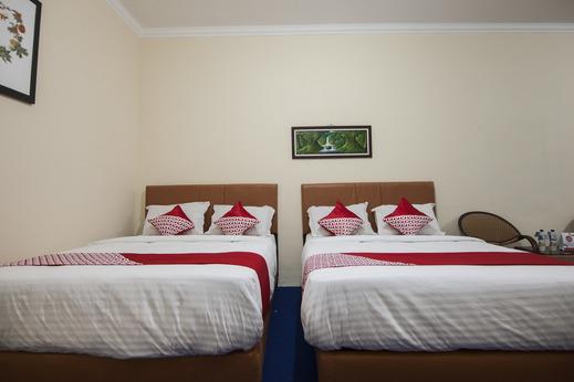 OYO 719 Penginapan Panatapan Almonsari Resort Danau Toba - Guestroom