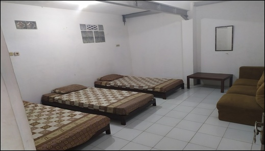 Hommi'zzz Backpacker's House Malang - room