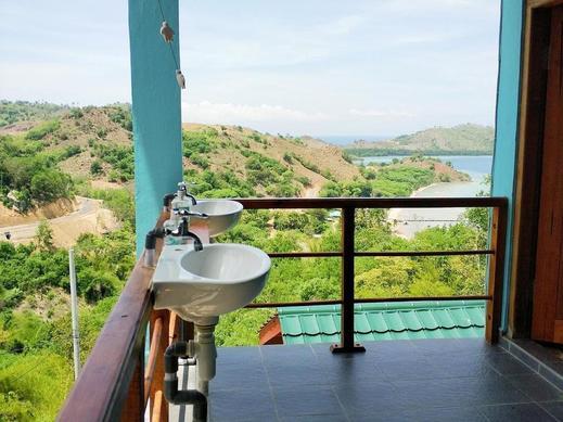 One Tree Hill Manggarai Barat - Sink