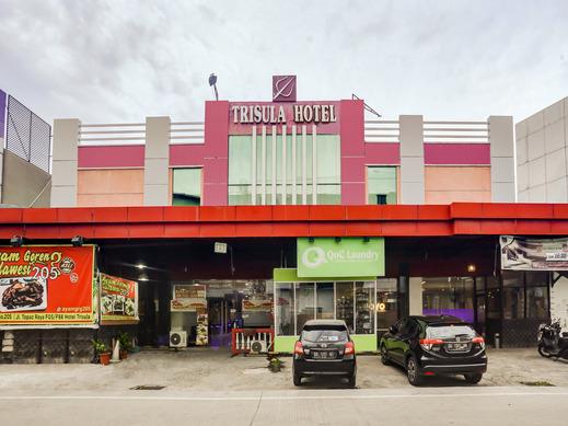 OYO 3936 Hotel Trisula Makassar Makassar - Facade