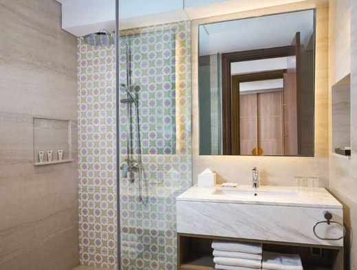 Hotel Tentrem Semarang Semarang - Deluxe Bathroom