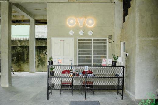 OYO 183 The Pipe House Palembang - Reception