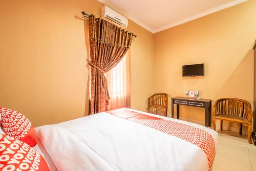 OYO 1255 Homestay Casa Delray Syariah Sukabumi - Bedroom