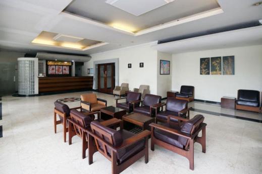 Hotel Merbabu Semarang - Lobby Area