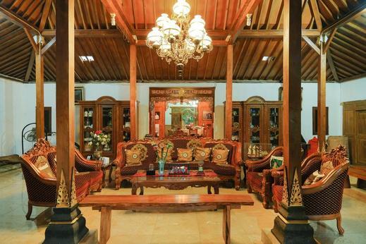 OYO 423 Bege Homestay Yogyakarta - Common area