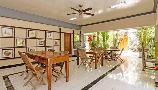 ZEN Rooms Celagi Basur Bali - Ruang makan