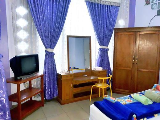 Trivadoh Syariah Hotel Padang Panjang - Living Room