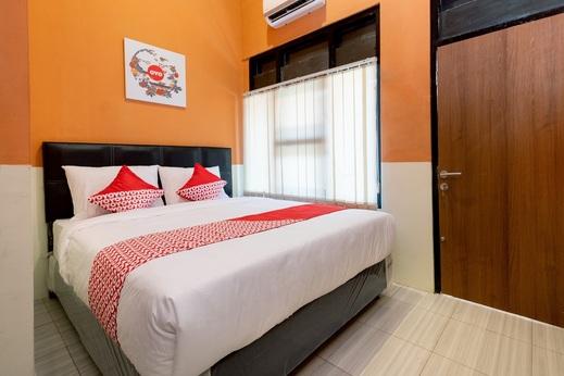 OYO 1162 ZE room Yogyakarta - Bedroom