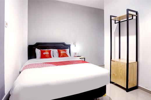 OYO 2409 Safara Guesthouse Syariah Semarang - Bedroom