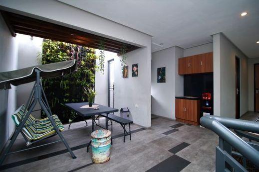 Bale Resident Jakarta - gathering room