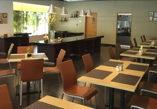 Triniti Hotel Jakarta - Restaurant