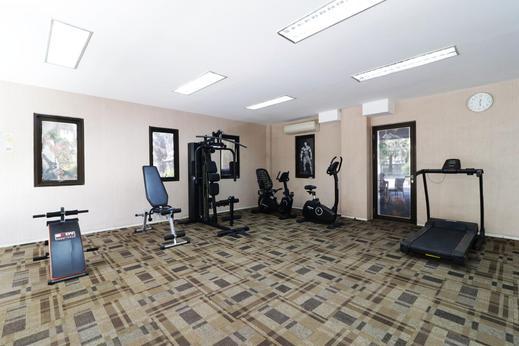 Dewarna Hotel & Convention Bojonegoro - gym