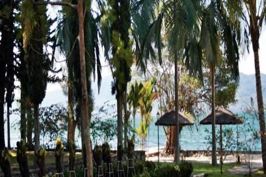 Pandu Lakeside Hotel   - Eksterior