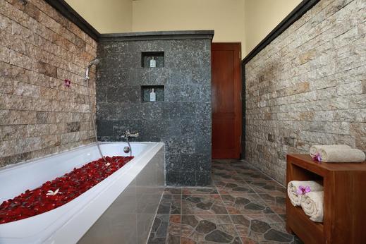 Dewi Sri Private Villa Bali - Bathroom