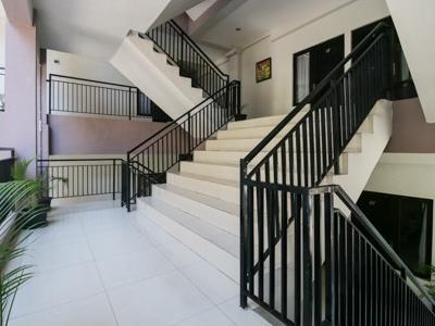 Airy Rungkut Medokan Ayu Dua Blok S 1 Surabaya - Stairs