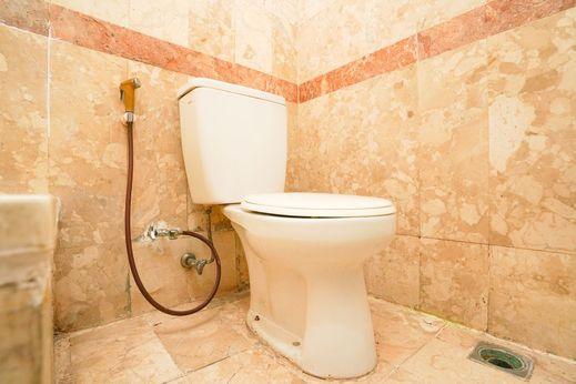 Istana Permata Dinoyo Surabaya - Bathroom