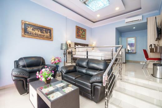 King Suite Hotel Bengkulu - Royal Suite Room