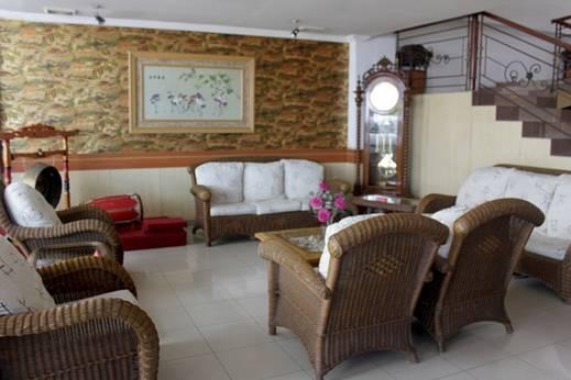 Jelita Hotel Banjarmasin - Ruang Tamu