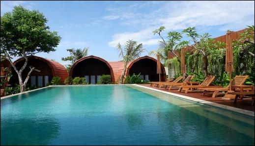 Alora Villa Lombok - pool