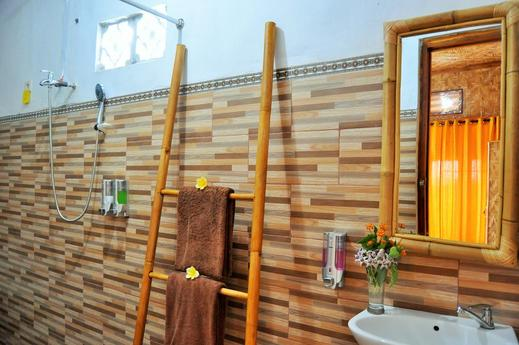 Gentari Homestay Bali - Bathroom