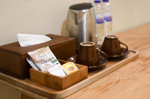 Hotel Pasola Pulau Sumba - Coffee and Tea maker