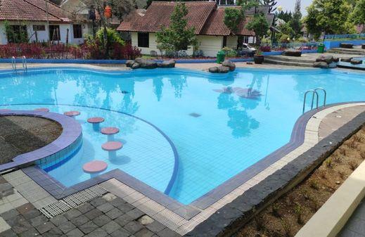 Shakilla House 5 Villa Lotus Cianjur - Pool