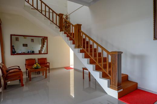 RedDoorz near Stadion 45 Karanganyar Karanganyar - Photo