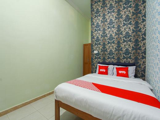 OYO 1725 Banyu Asem Residence Banyuwangi - Bedroom SD