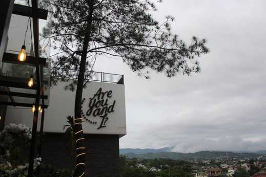 Are You and I Bed and Breakfast Bandung - Exterior