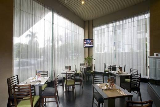 Grand Zuri Jababeka Hotel Bekasi - Restoran