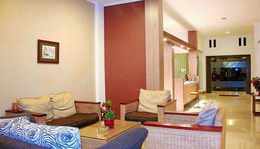 ZEN Rooms Dumeling Bogor - area tempat duduk
