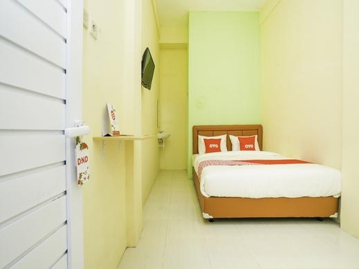 OYO 1367 Banuwa Residence Syariah Surabaya - Bedroom
