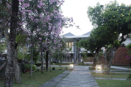 Alit Beach Resort and Villas Sanur - Exterior