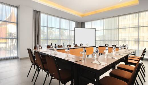 Amaris Hotel Padang - Meeting Room