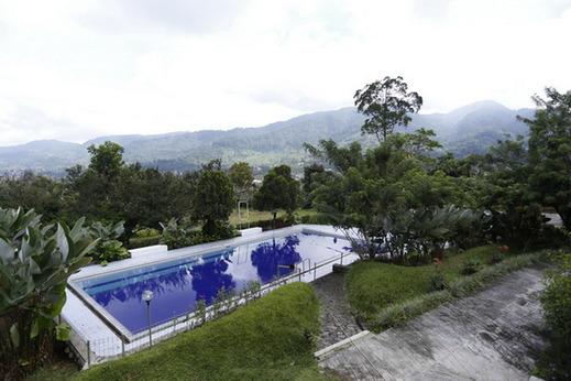 Villa Alam Indah By Anhra Puncak - pool