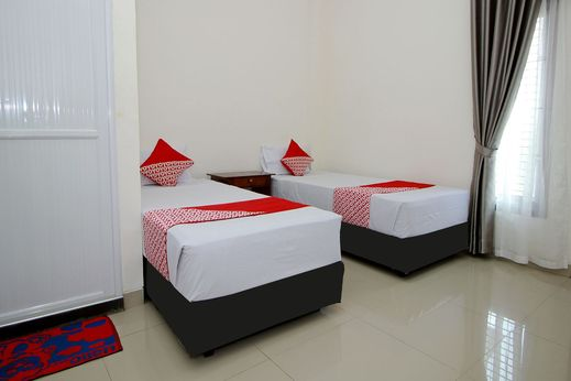 OYO 739 Guest House Si Kancil Bengkulu - Bedroom