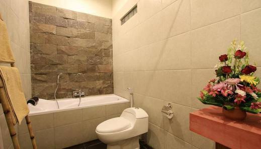 Saren Guest House Bali Bali - Bathroom