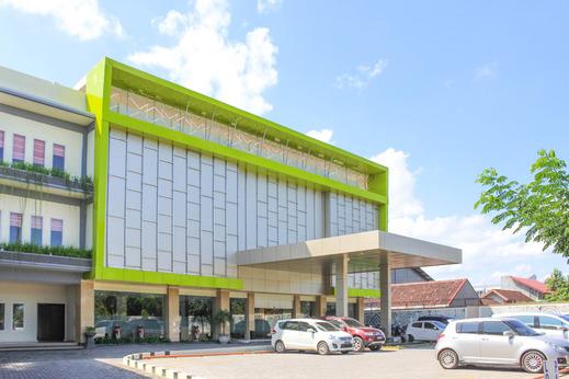 Airy Mataram Cakranegara Sriwijaya 132 Lombok - Property Building