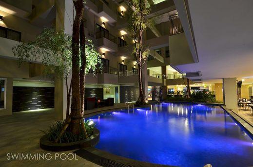 Savana Hotel Malang - Rooftop Pool