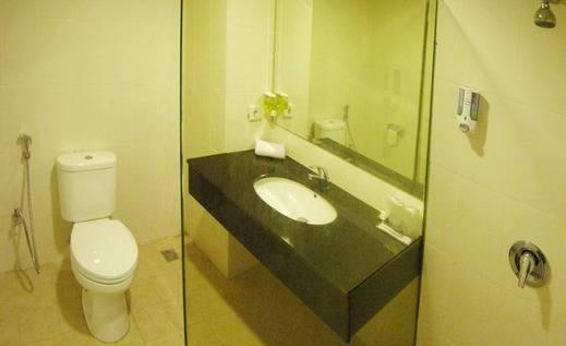 NIDA Rooms Sidoarjo Mutiara Delta Surabaya - Kamar mandi