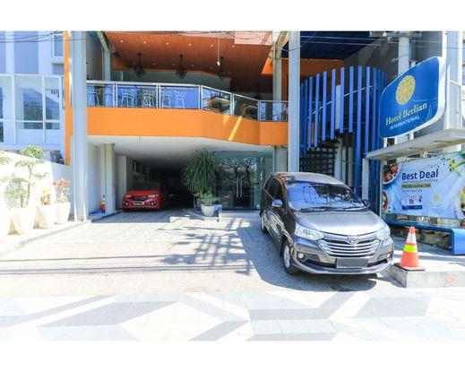 Hotel Berlian International Surabaya - Entrance