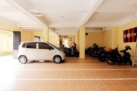JJ House Gejayan Yogyakarta - Parkir