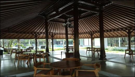 The Luxurius Golden Villa Hyarta Yogyakarta - interior