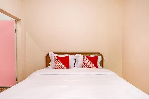 OYO 3252 Lansano Residence Syariah Padang - Bedroom